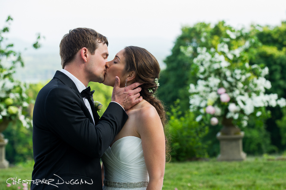 Berkshire Wedding Photos at Seranak   Charlotte & Scott
